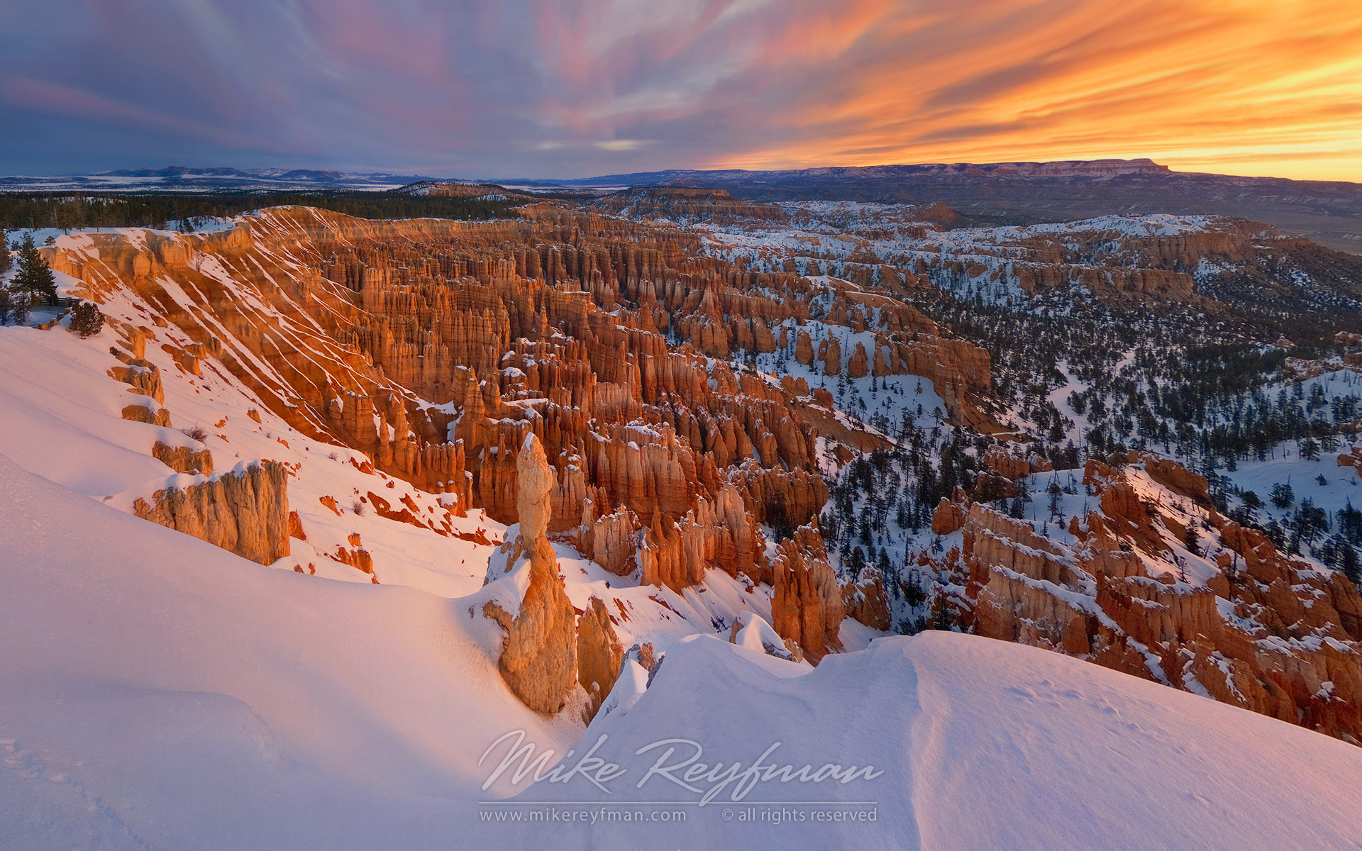 Inspiration Point at sunrise. Bryce Canyon National Park, Utah, USA. - Bryce-Canyon-National-Park-Utah-USA - Mike Reyfman Photography