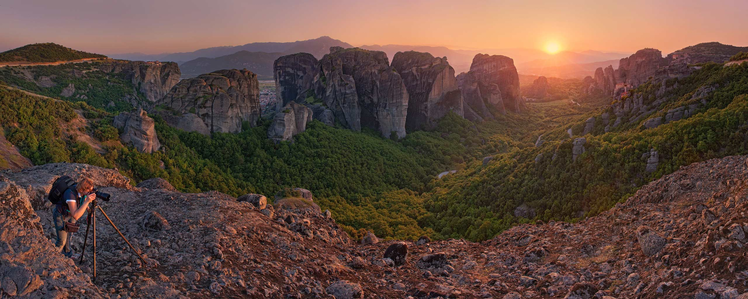 Photographing sunset at Meteora, Thessaly, Greece - Meteora-Monasteries-Greece - Mike Reyfman Photography
