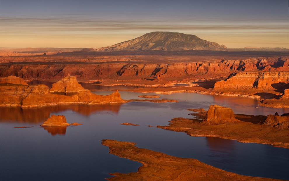 Navajo Mountain. Glen Canyon NRA, Lake Powell, Utah/Arizona, US. Aerial.