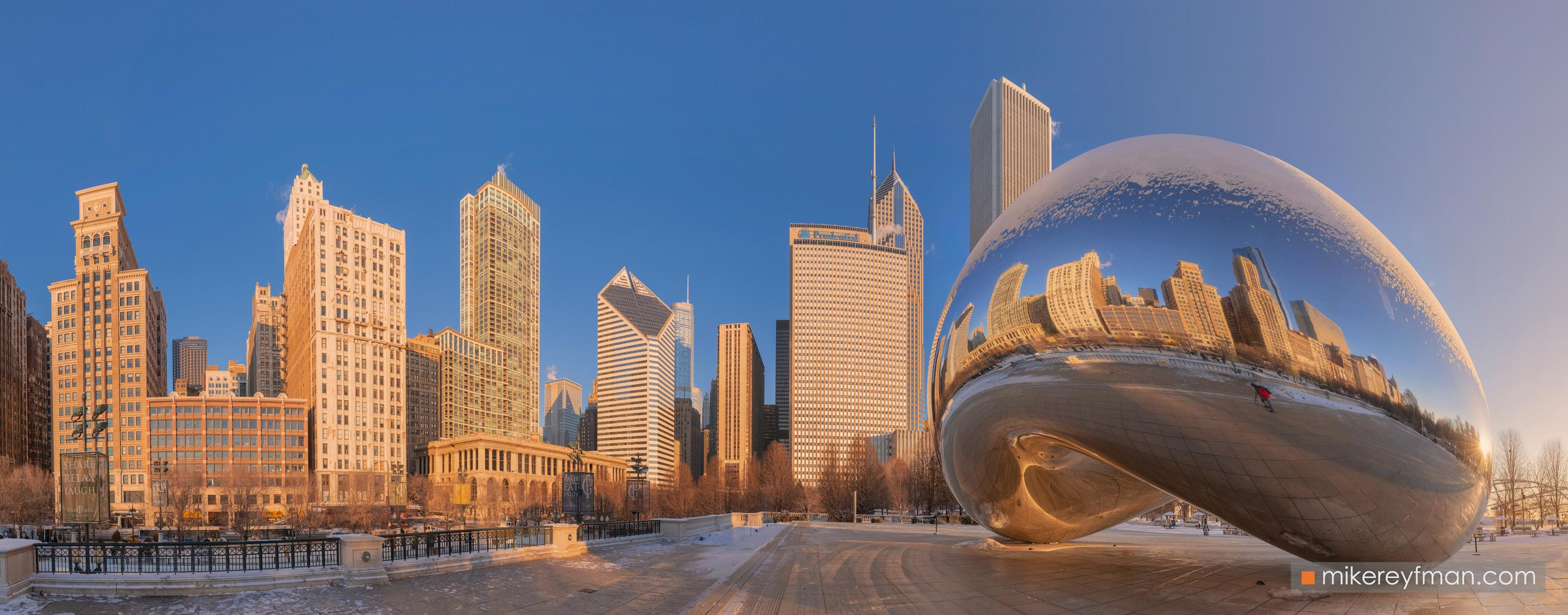 "Cloud Gate - ""The Bean"". Millennium Park, Chicago, Illinois, USA 100-CH1-D8C8366_Pano_1x2.55 - Chicago, USA: The"