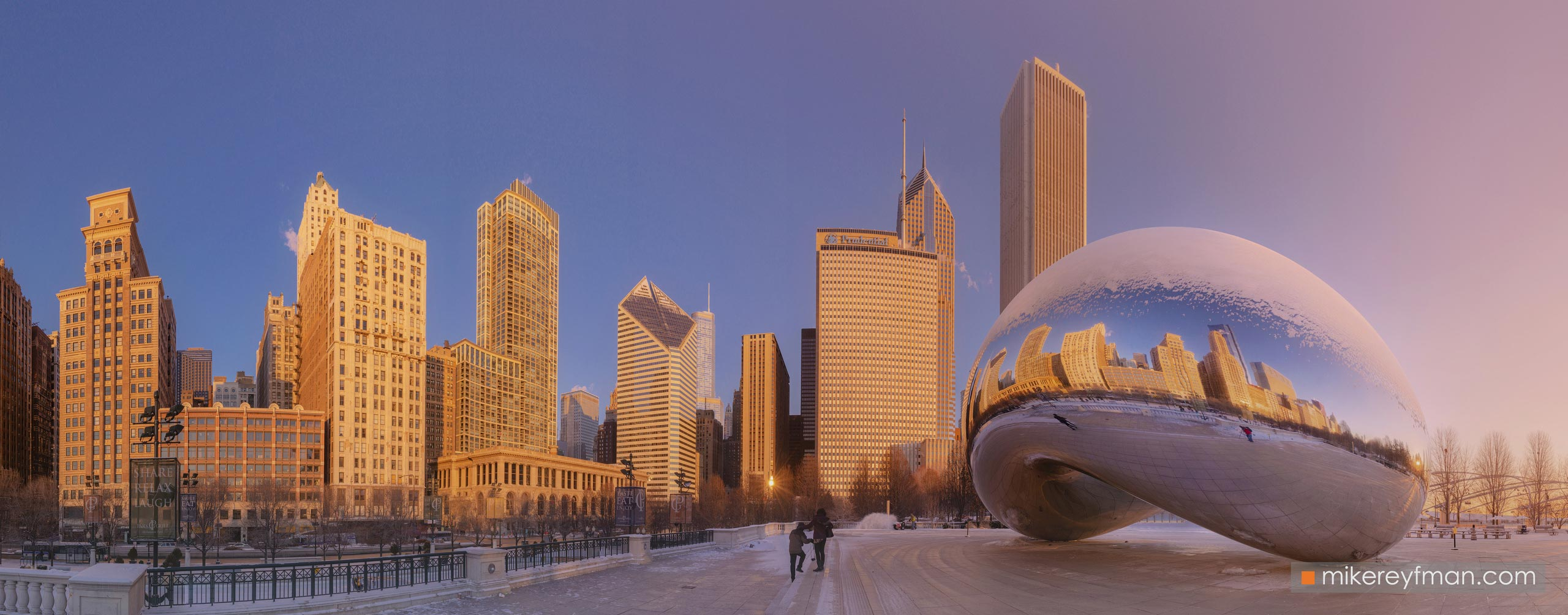 "Cloud Gate - ""The Bean"". Millennium Park, Chicago, Illinois, USA 102-CH1-D8C8301_Pano_1x2.55 - Chicago, USA: The"