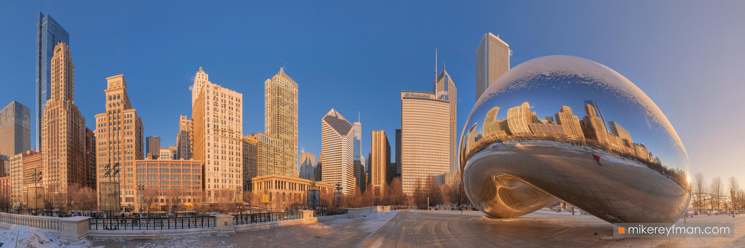 "Cloud Gate - ""The Bean"". Millennium Park, Chicago, Illinois, USA 104-CH1-D8C8366_Pano_1x3 - Chicago, USA: The"