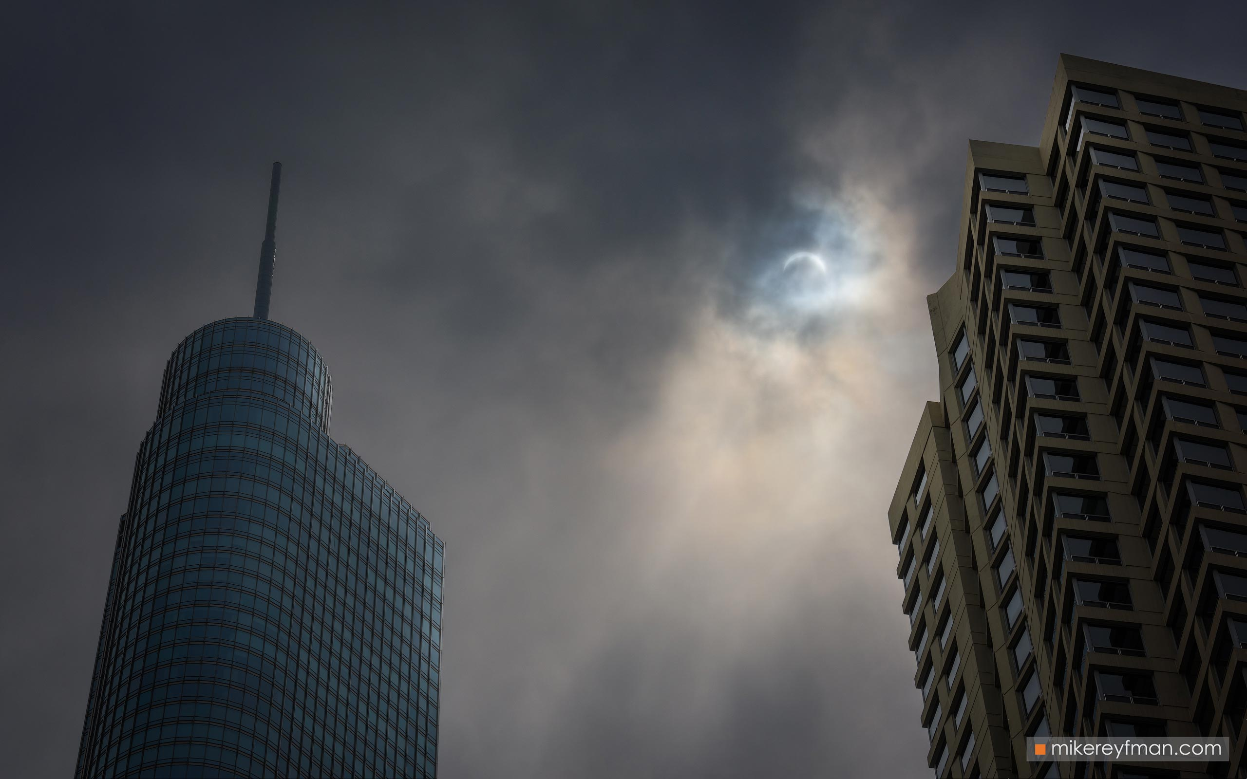 Sun eclipse. City of Chicago, Illinois, USA. 114-CH1-0R23080 - Chicago, USA: The