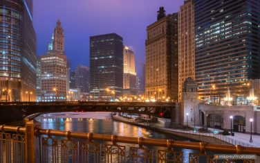 City-at-Night.-Chicago,-Illinois,-USA.
