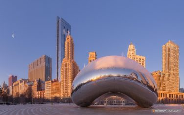"Cloud-Gate---""The-Bean"".-Millennium-Park,-Chicago,-Illinois,-USA"