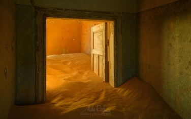 KN1-MR10N1321 Sands of Time. Kolmanskop Ghost town, Namib Desert, Southern Namibia.