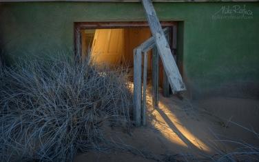 KN1-MR10N1337 Sands of Time. Kolmanskop Ghost town, Namib Desert, Southern Namibia.
