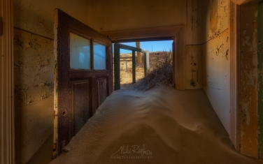 KN1-MR10N1436 Sands of Time. Kolmanskop Ghost town, Namib Desert, Southern Namibia.