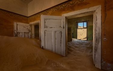 KN1-MR10N1446 Sands of Time. Kolmanskop Ghost town, Namib Desert, Southern Namibia.