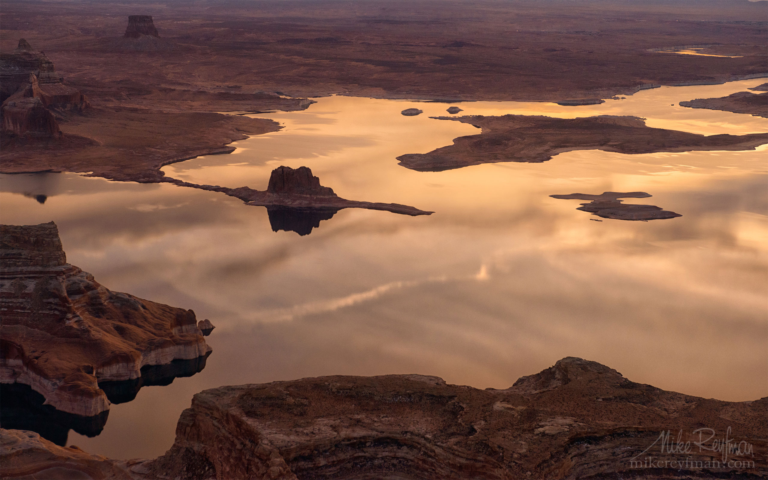Padre Butte. Glen Canyon NRA, Lake Powell, Utah/Arizona, USA. Aerial 046-LP3_D8C9693.jpg - Lake Powell, Glen Canyon NAR. Colorado and Sun Juan Rivers. Utah/Arizona, USA  - Mike Reyfman Photography