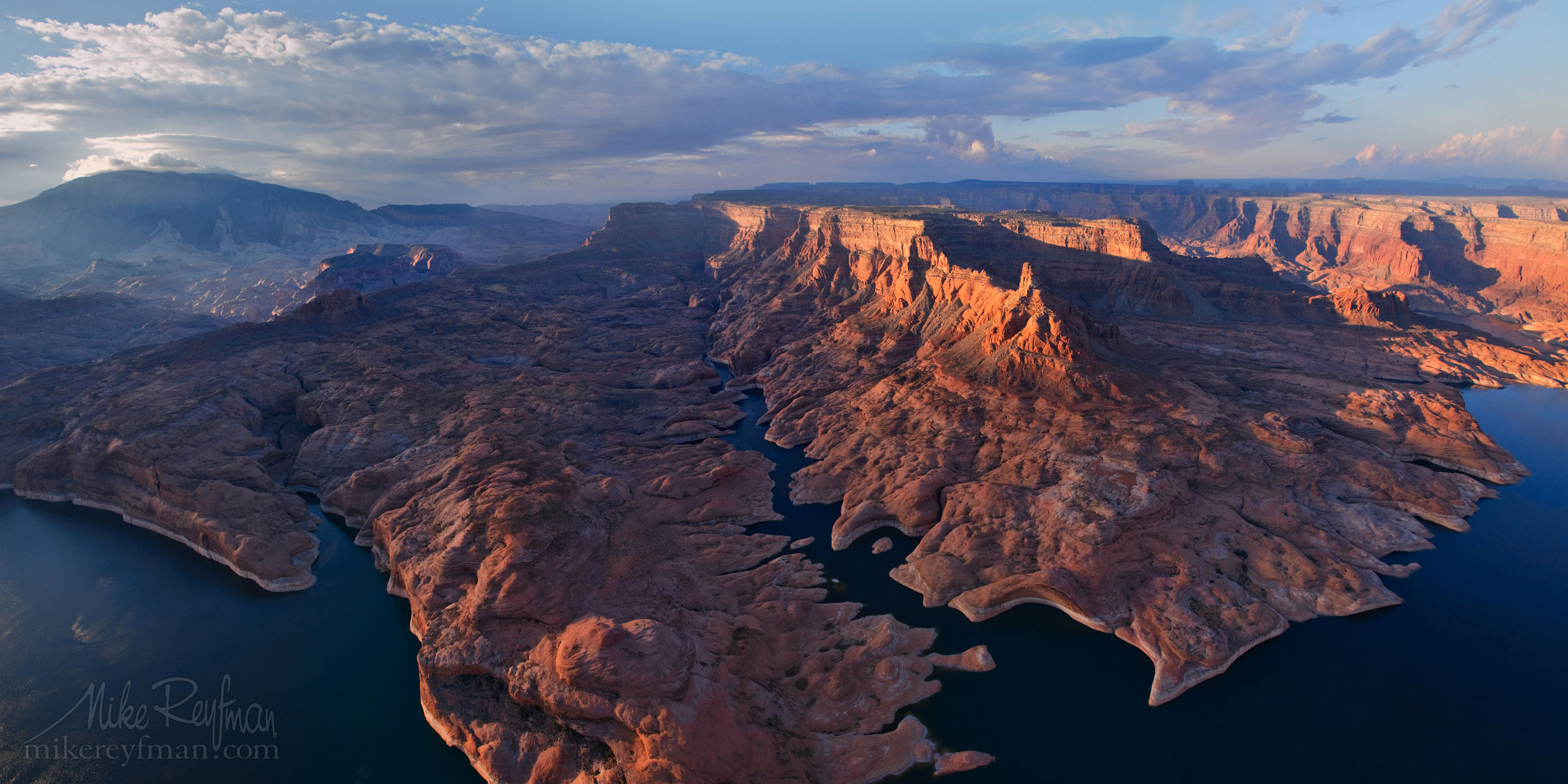 Lake Powell, Glen Canyon NRA, Utah/Arizona, USA. Aerial. 073-LP3_O3X5505_Pano_1x2.jpg - Lake Powell, Glen Canyon NAR. Colorado and Sun Juan Rivers. Utah/Arizona, USA  - Mike Reyfman Photography