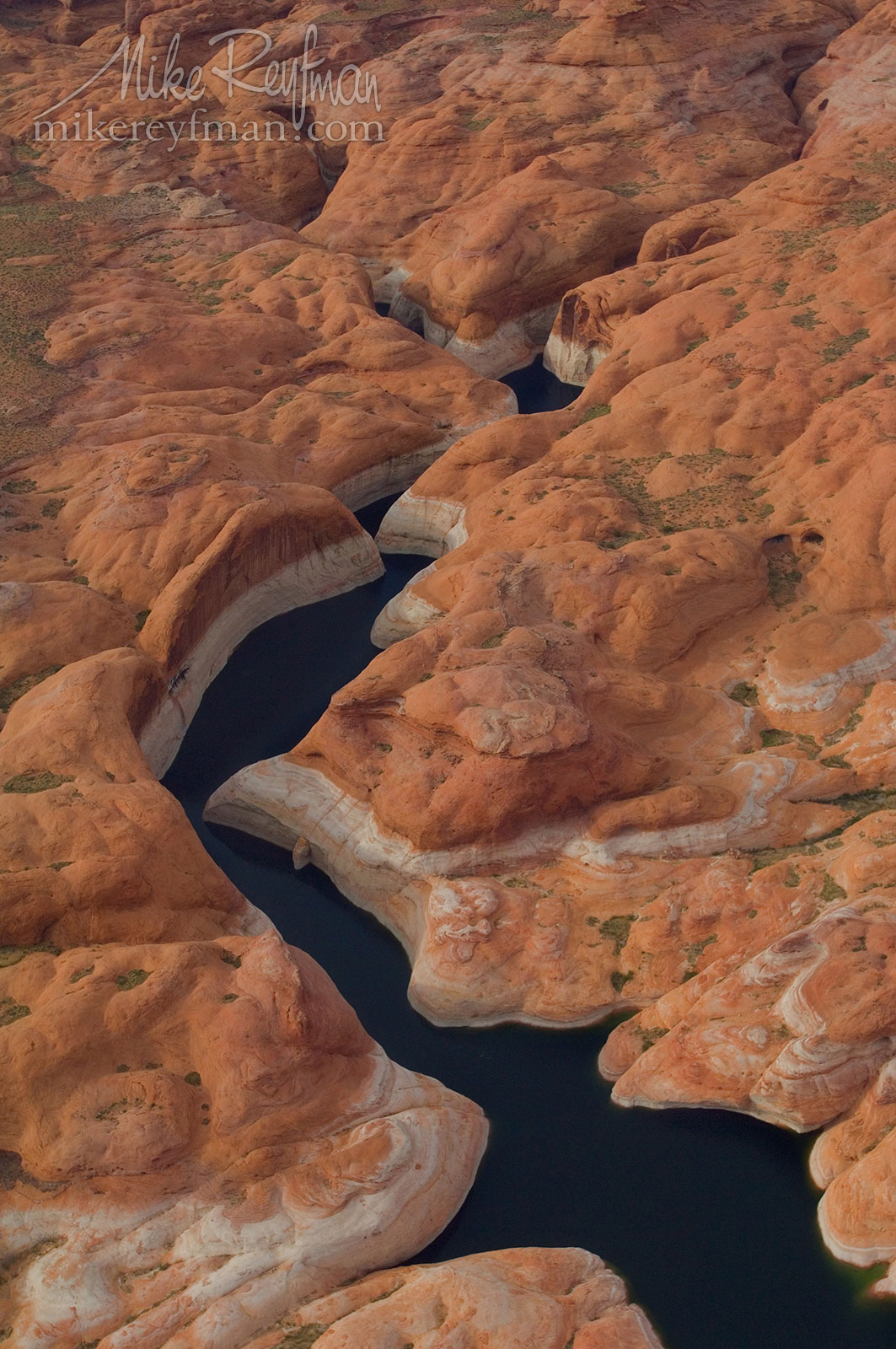 Driftwood Canyon Inlet. Glen Canyon NRA, Lake Powell, Utah/Arizona, US. Aerial. 082-LP3_MER6842.jpg - Lake Powell, Glen Canyon NAR. Colorado and Sun Juan Rivers. Utah/Arizona, USA  - Mike Reyfman Photography