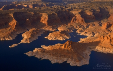 Lake-Powell,-Glen-Canyon-NRA,-Utah/Arizona,-USA.-Aerial.
