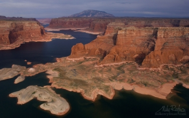 Rainbow-Plateau-and-Distant-View-of-Navajo-Mountain.-Glen-Canyon-NRA,-Lake-Powell,-Utah/Arizona,-USA.-Aerial.