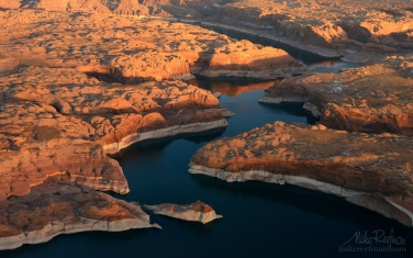 Escalante-River-Canyon.-Lake-Powell,-Glen-Canyon-NRA.-Uta/Arizona,-USA.-Aerial.
