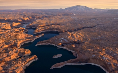 Escalante-River-Canyon-and-Navajo-Mountain.-Lake-Powell,-Glen-Canyon-NRA.-Uta/Arizona,-USA.-Aerial.