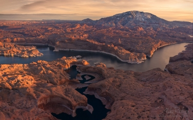 Reflection-Canyon,-Colorado-River-and-Navajo-Mountain.-Lake-Powell,-Glen-Canyon-NRA.-Uta/Arizona,-USA.-Aerial