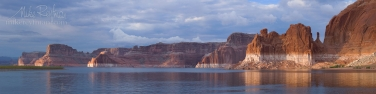 Lake-Powell.-Glen-Canyon-NRA,-Utah/Arizona,-USA.