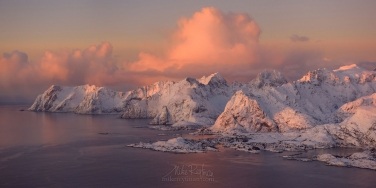 Aerial-panoramic-view-of-Lofoten-archipelago-and-fishing-village-of-Reine-at-sunrise.-Moskenes,-Lofoten-archipelago,-Norway.