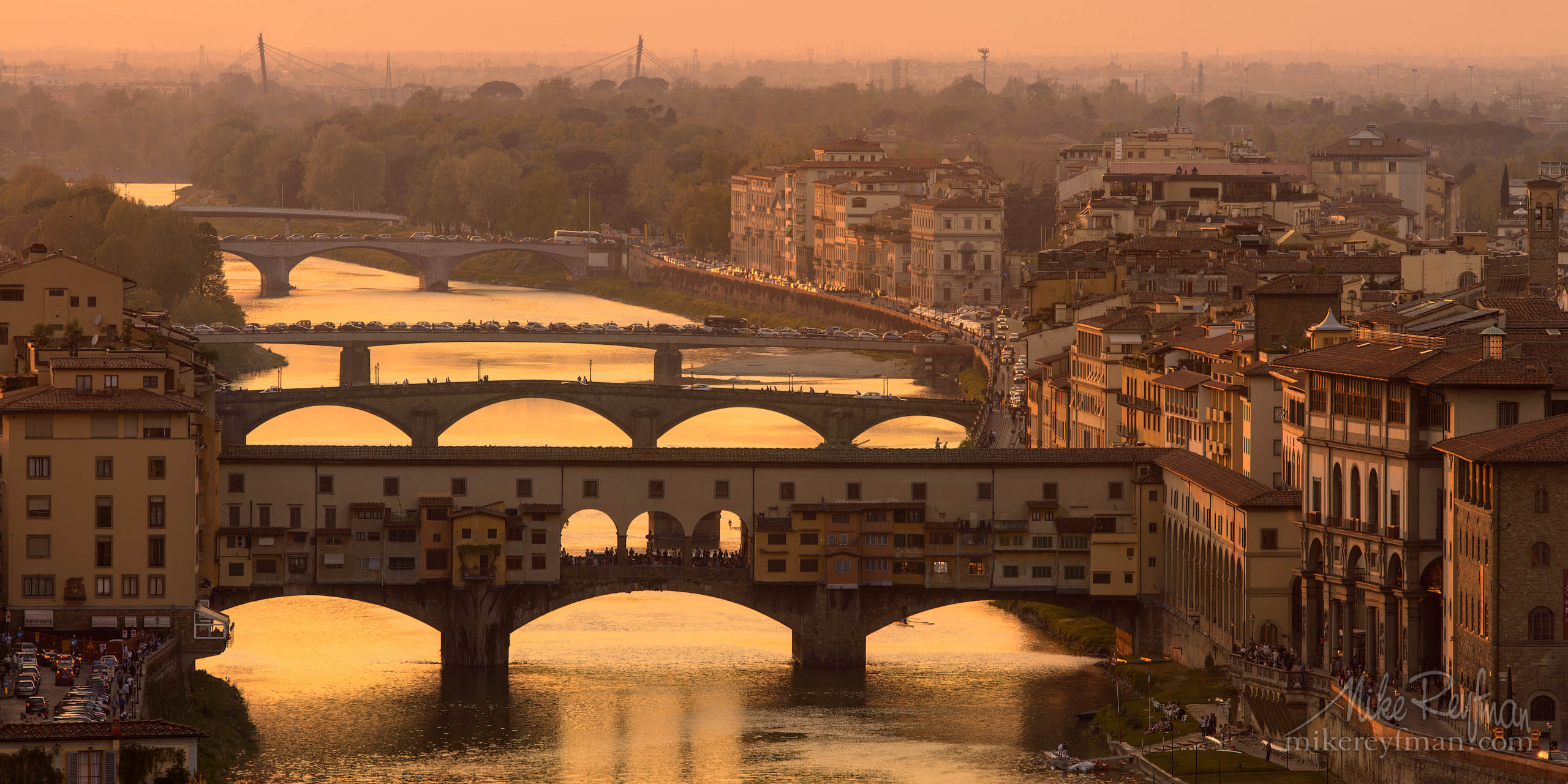 Ponte Vecchio bridge and Arno river in the evening. Florence, Italy. P12-MRD8A7499 - Selected panoramic images with 2:1 aspect ratio - Mike Reyfman Photography