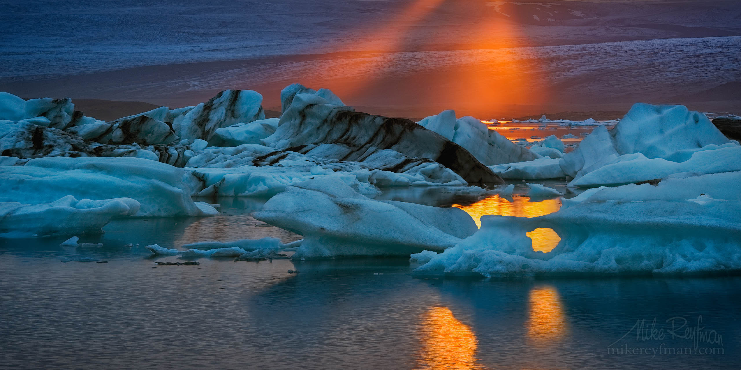 Last Ray. Jokulsarlon Glacial Lagoon, Iceland. P12-MRMR27880 - Selected panoramic images with 2:1 aspect ratio - Mike Reyfman Photography