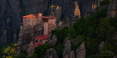 Roussanou-Nunnery-at-sunrise.-Meteora,-Thessaly,-Greece