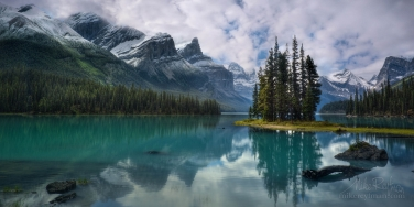 The-Spirit-Island.-Maligne-Lake,-Jasper-National-Park,-Alberta,-Canada