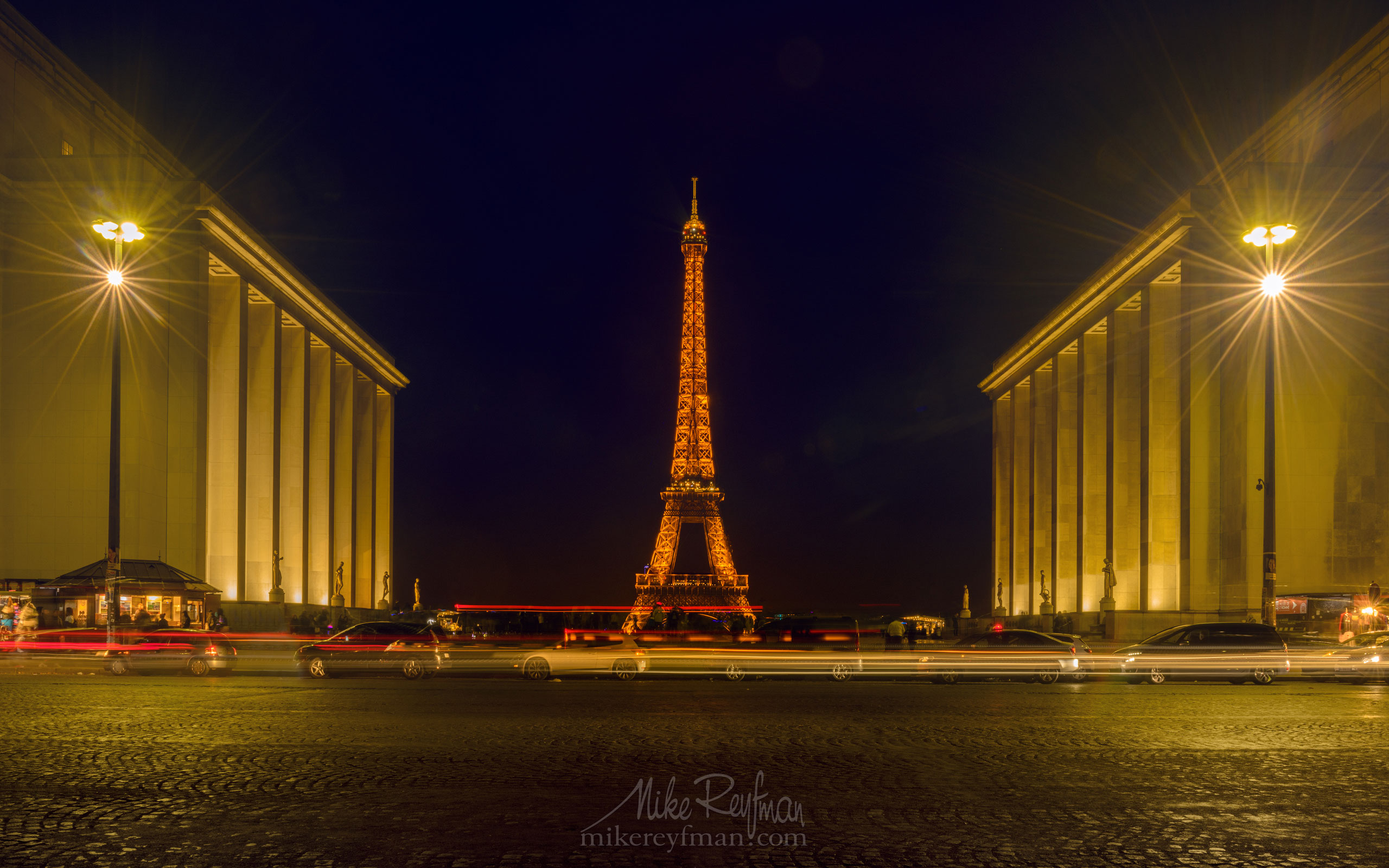 The Eiffel Tower from Jardins du Trocadéro, Paris, France FR1-MR50A1800 - Symmetries and Beyond. Random photos. France. - Mike Reyfman Photography