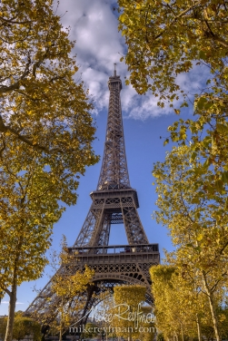 The-Eiffel-Tower.-Champ-de-Mars,-Paris,-France