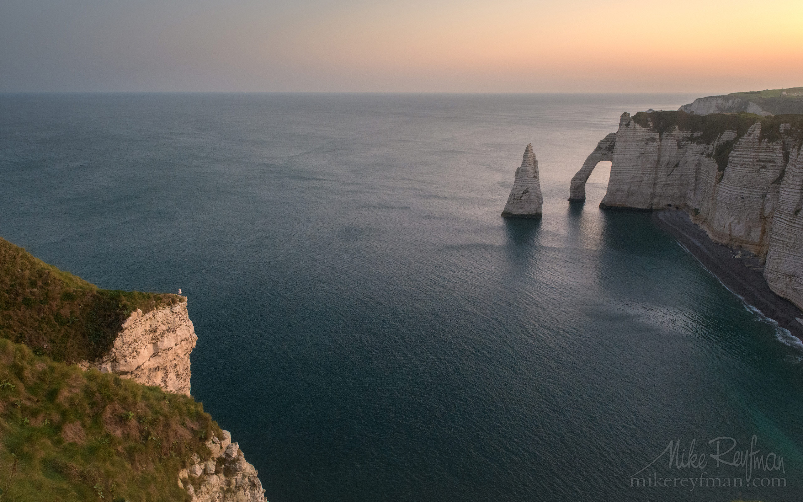 Arch Porte d'Aval and L'Aiguille - the Needle. Cote d'Albatre – The Alabaster Coast. Ertretat, Normandy, France ET1-MR50A0147 - White Chalk Cliffs and Arches of Alabaster Coast. Etretat, Upper Normandy, France - Mike Reyfman Photography