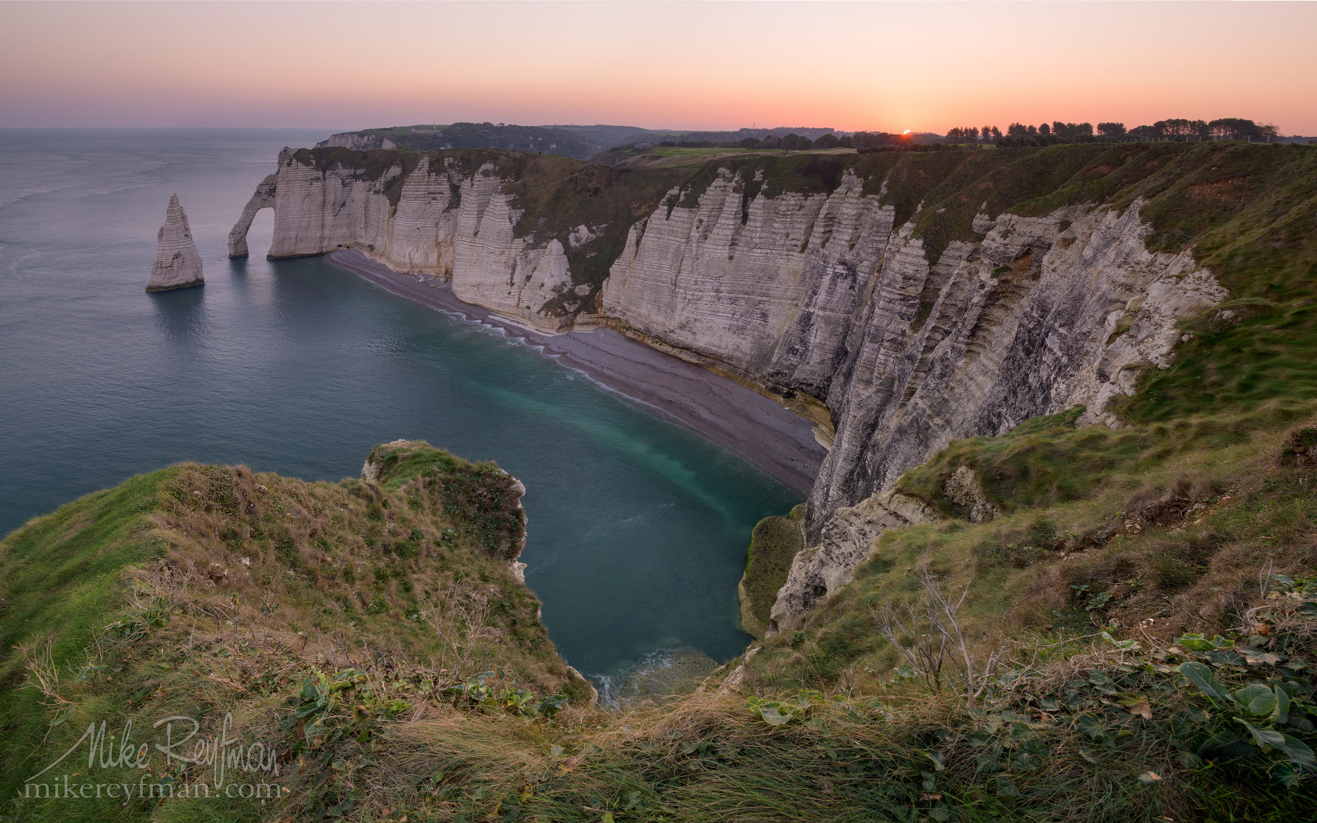 Arch Porte d'Aval and L'Aiguille - the Needle. Cote d'Albatre – The Alabaster Coast. Ertretat, Normandy, France ET1-MR50A0180 - White Chalk Cliffs and Arches of Alabaster Coast. Etretat, Upper Normandy, France - Mike Reyfman Photography