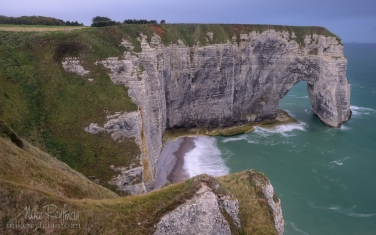 Manneporte-Arch.-Cote-d'Albatre-–-The-Alabaster-Coast.-Ertretat,-Normandy,-France